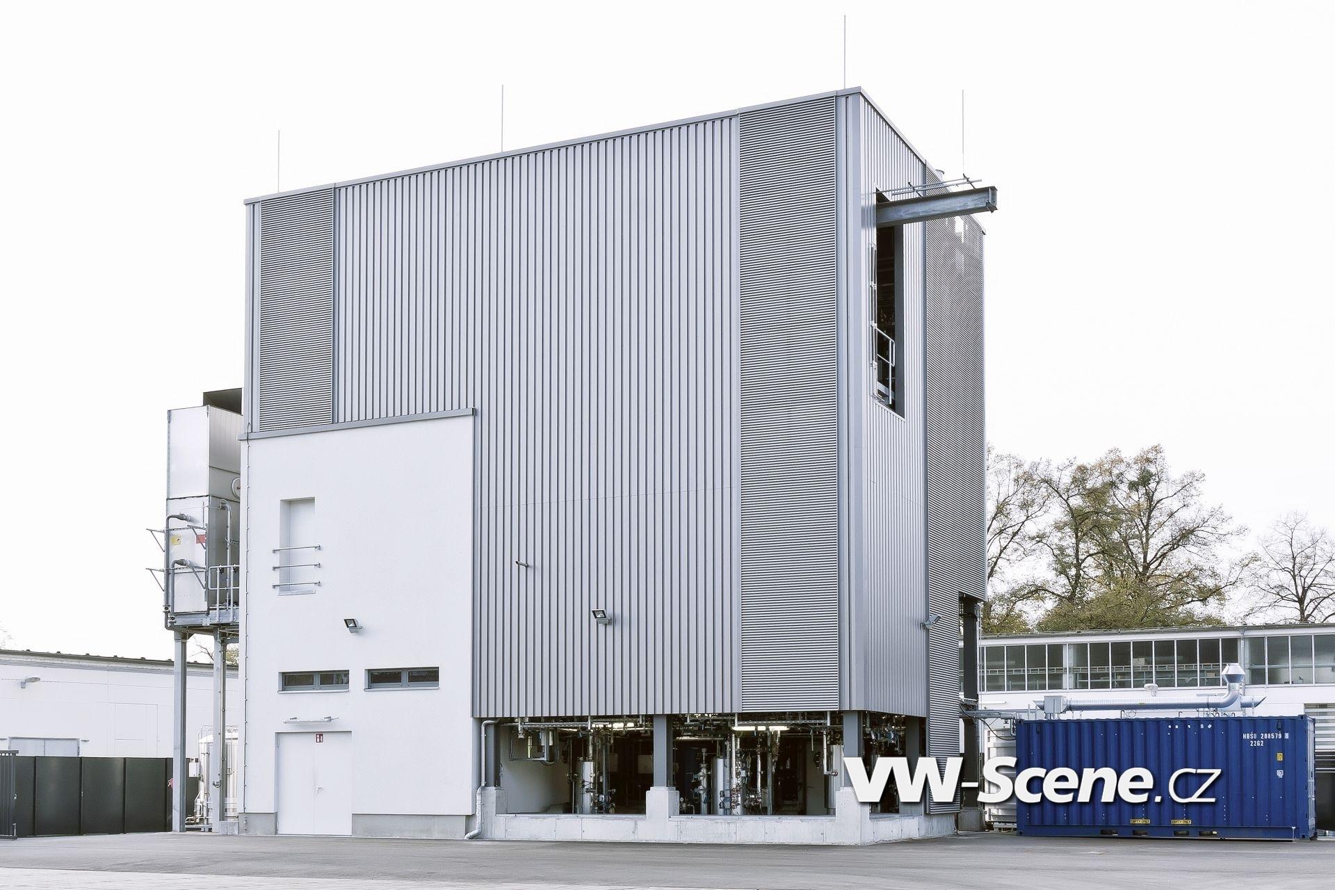 Die sunfire-Anlage in Dresden erzeugt Audi e-diesel - aus Kohlendioxid, Wasser und Oekstrom.