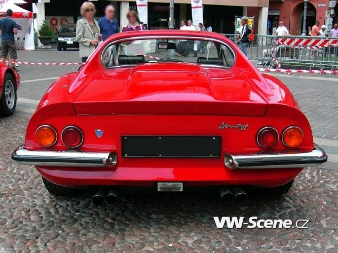 Ferrari_dino_gt