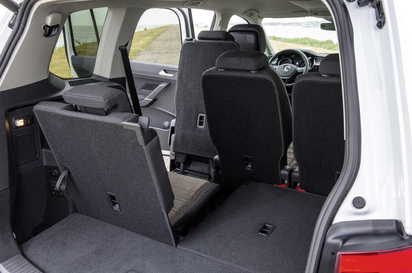 Volkswagen-Touran-20