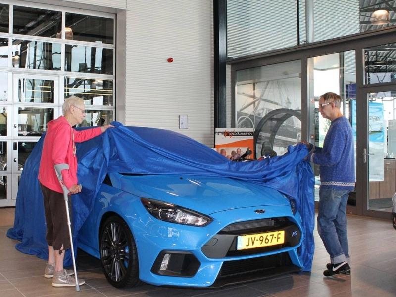 Deda_koupil_Ford_Focus_RS_dalsi_03_800_600